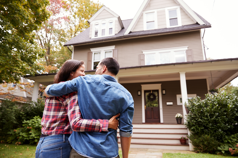 couple-buying-a-home