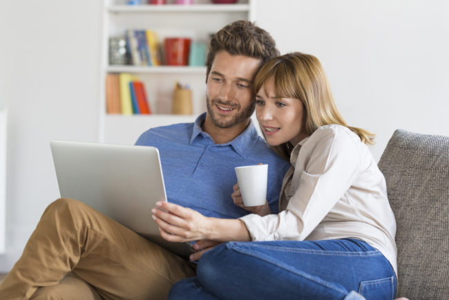 couple-doing-house-hunting-research