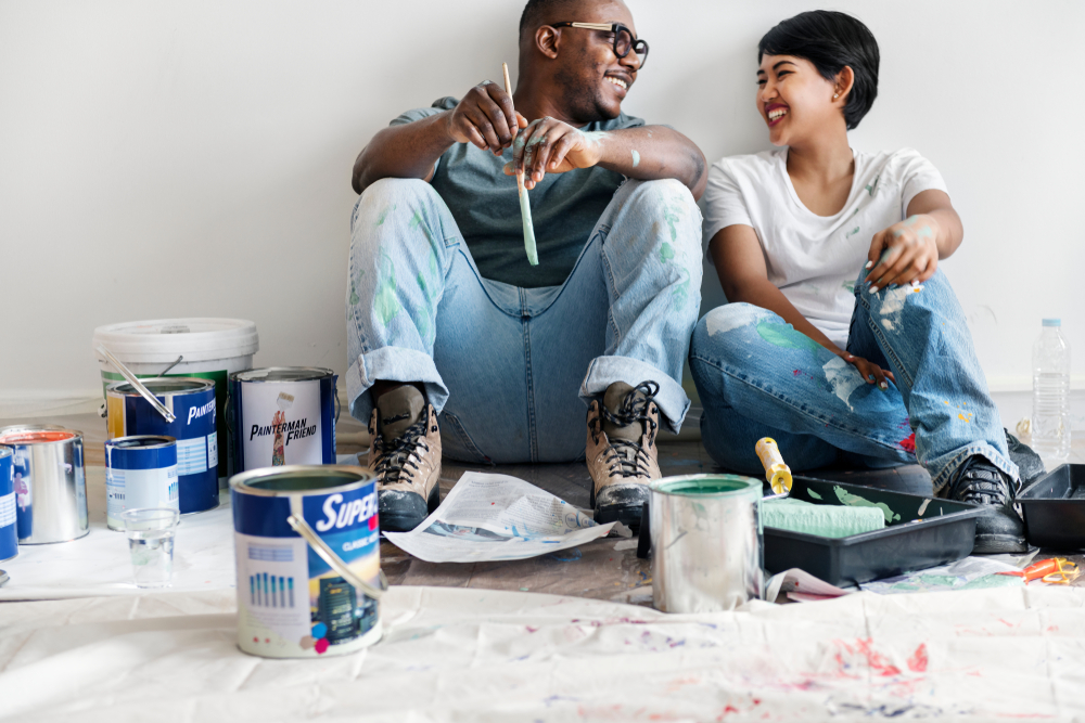 couple-making-home-improvements